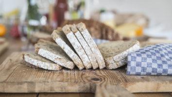Vers brood bij de Buurtboer